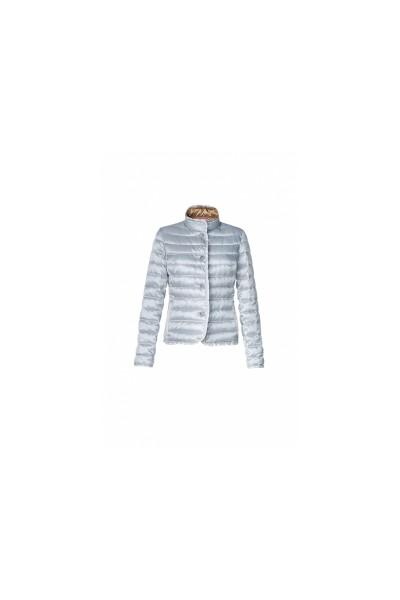 легкая стеганная куртка